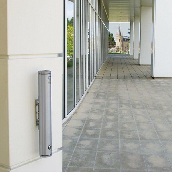 esempio_Installazione_Posacenere_alubox_muro